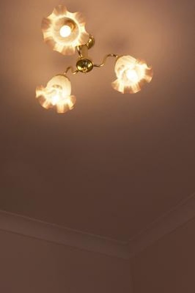 How To Install A Ceiling Light That Has Two Bulbs
