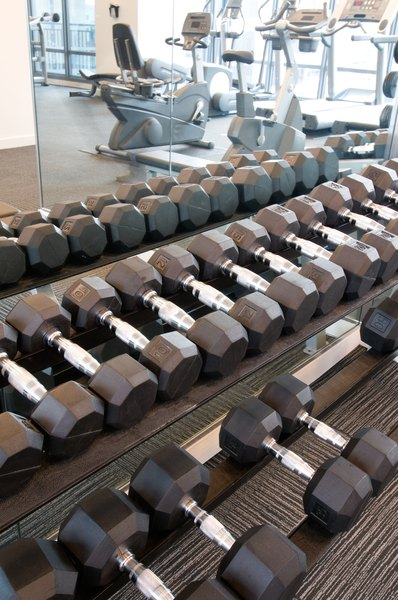 Good Routines Using Gym Equipment for Weight Loss - Woman
