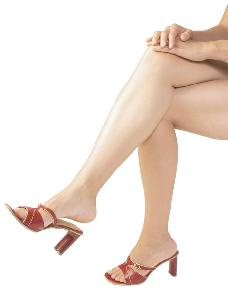 Do Walk and Tone Shoes Cause Calf Muscle Pain? - Woman
