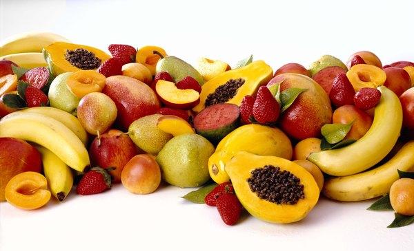 Elige fruta de la temporada: es de mejor calidad y menor precio.