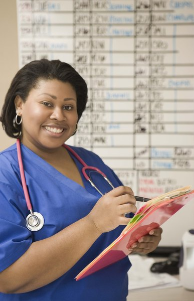 difference between associates and bachelors degree in nursing
