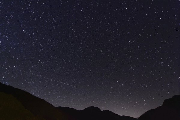 Most meteors are very small.