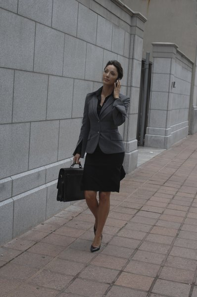 dress for success is still the right advice when going to job fairs
