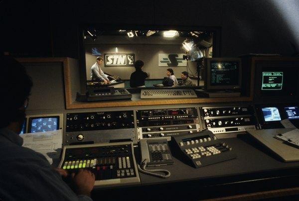 Television scenic design supervisor job description & qualifications