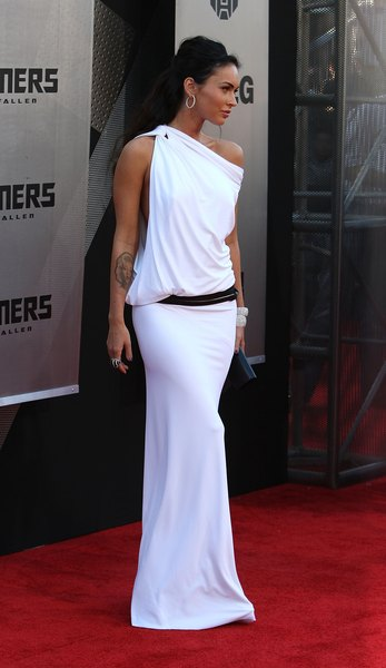 Megan Fox se transformó en una diosa cuando usó el vestido de Kaufman Franco.