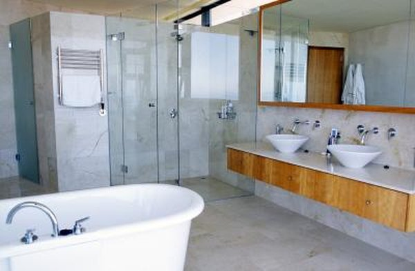 What Kind of Mirrors Should Be Used in the Bathroom? | Home