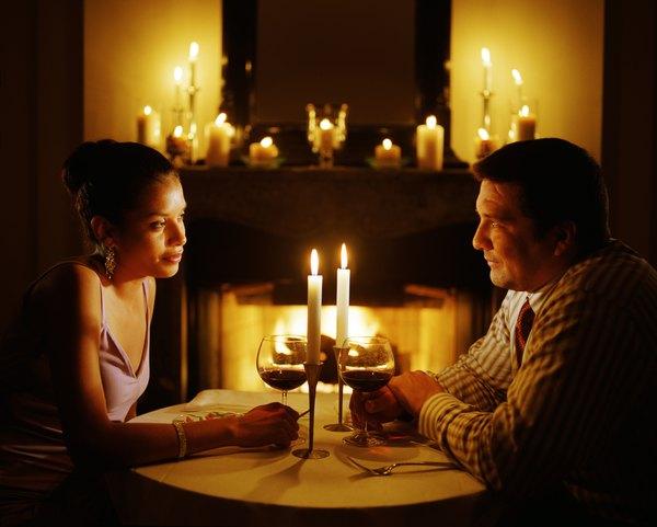 Una cena a la luz de las velas siempre es un buen plan.