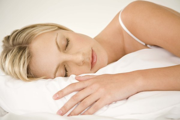 Las almohadas de pluma pierden grosor al recostarse en ellas.