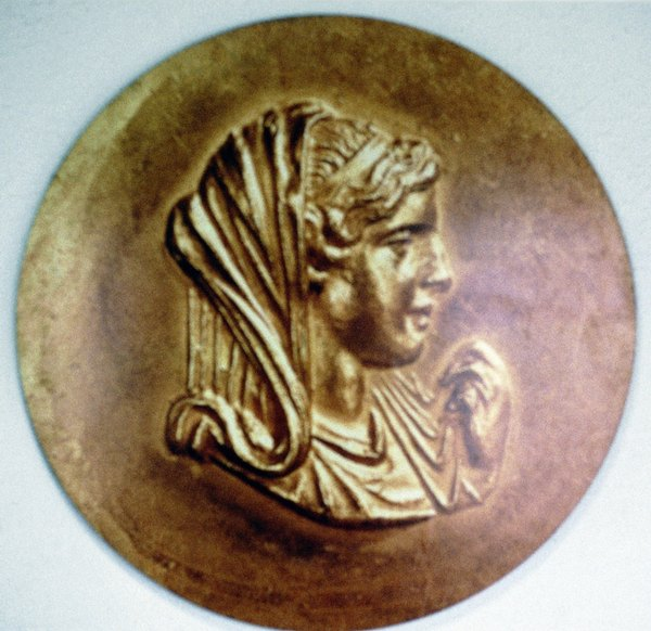La reina Olimpia fue fundamental para la llegada de Alejandro Magno al poder.