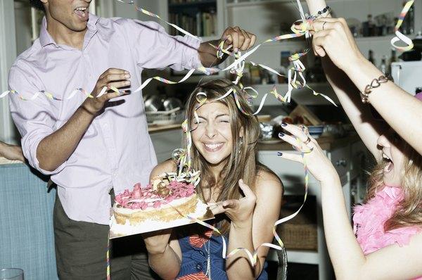 Celebra tu cumpleaños con tus seres queridos más cercanos.