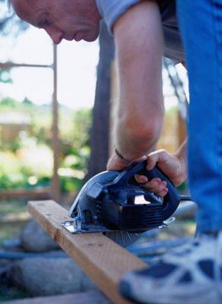 Replacing a circular saw blade home guides sf gate greentooth Choice Image