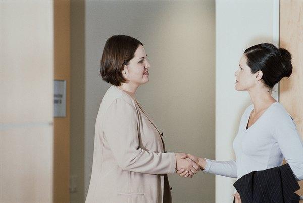 Tome os cuidados necessários antes de contratar a nova profissional