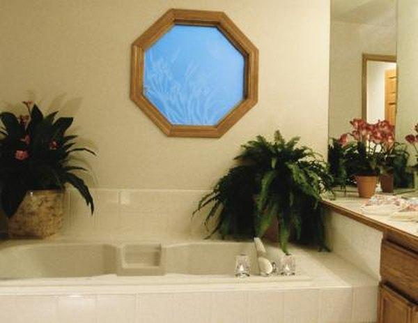 how to decorate a hexagonal bathroom window home guides sf gate rh homeguides sfgate com how to decorate a bathroom window sill how to decorate a small bathroom window