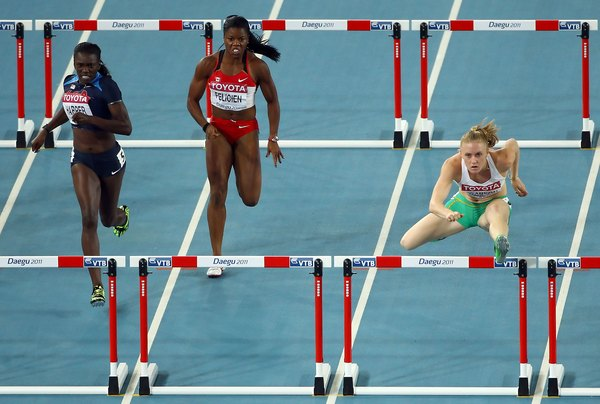 How to Snap Down a Lead Leg Quickly for Women's Hurdles ...