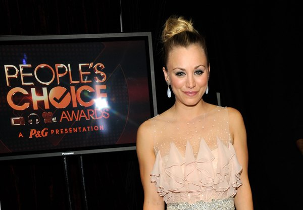 Kaley Cuoco no People Choice Awards