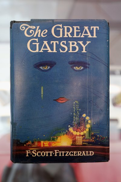 the great gatsby and wealth