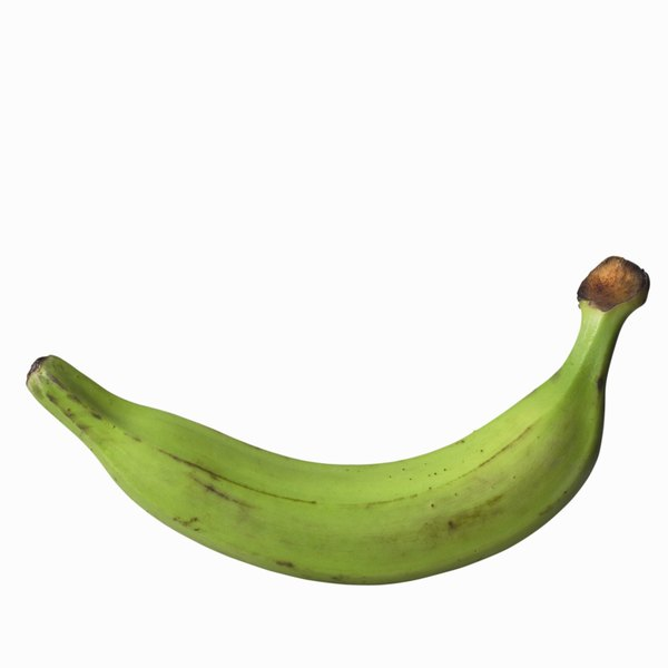 Green plantains contain a small amount of fat per serving.