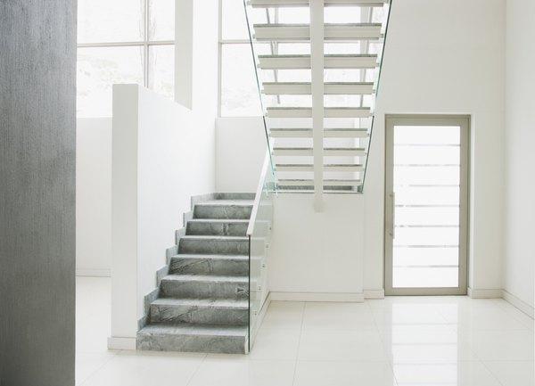 Dise os de escaleras para tu hogar for Escaleras para casas de 2 pisos
