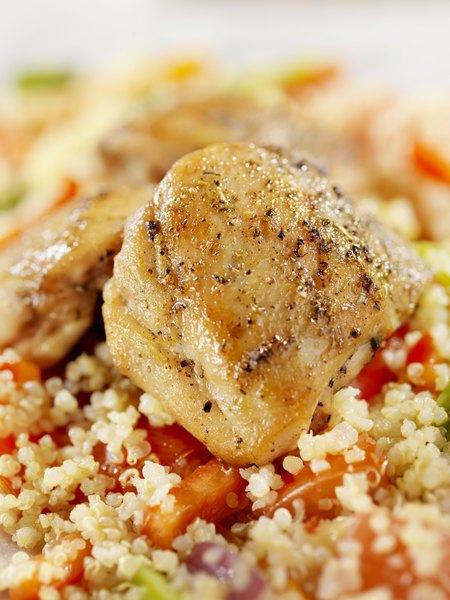 Pollo salteado con quinoa.