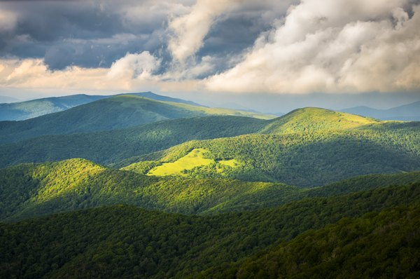 the Appalachian Mountains are a natural western boundary
