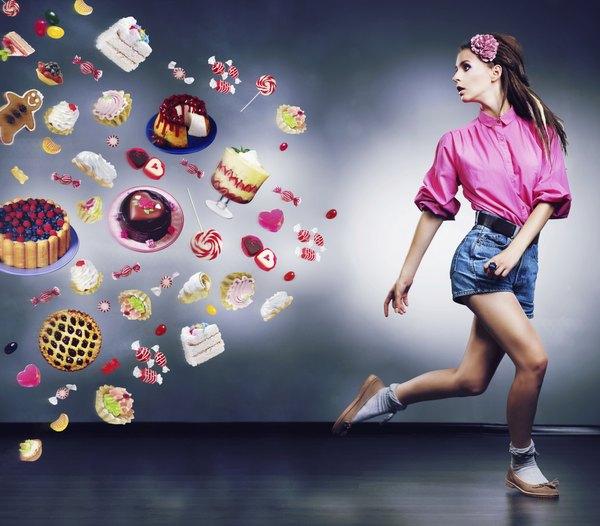 Evite a comida rica em gordura saturada para não ganhar quilos extras