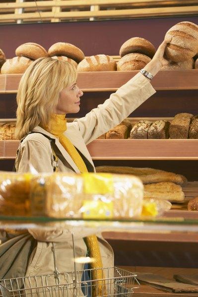 Aproveite a padaria perto de casa e compre produtos frescos