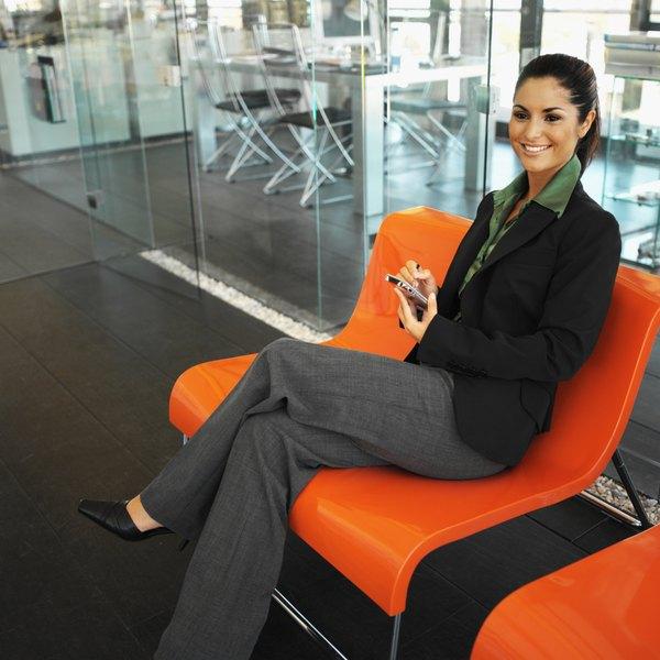 df23589dd9e The Best Color Suit for a Job Interview - Woman