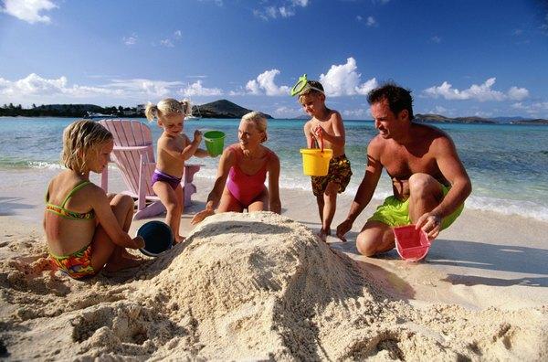Las familias comparten actividades que los hacen sentir parte de un grupo.