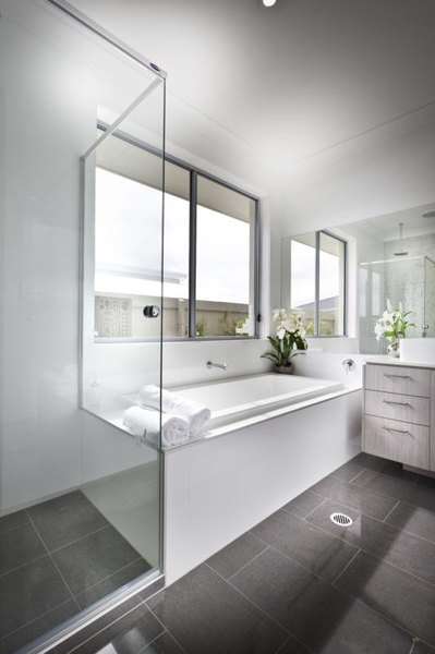 The Average Cost To Replace Tub Surround With Cultured