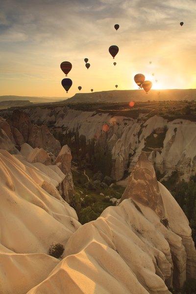 Si no lo sabes, averigua a través de algún amigo o conocido si le gustaría este tipo de experiencia, ya que si tu pareja le teme a las alturas no va a disfrutar nada de este viaje.