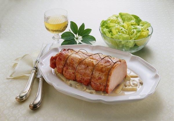 El vino blanco va muy bien con con carnes blancas como el cerdo.