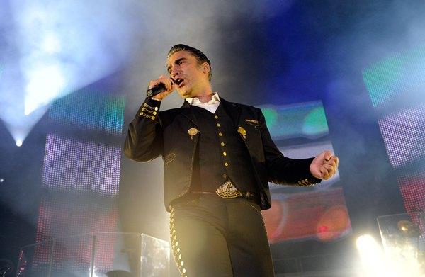 Alejandro Fernández es un cantante mexicano reconocido internacionalmente.