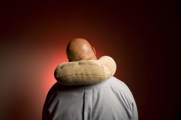 Evita usar un collarín cervical utilizando previamente una almohada-collarín.