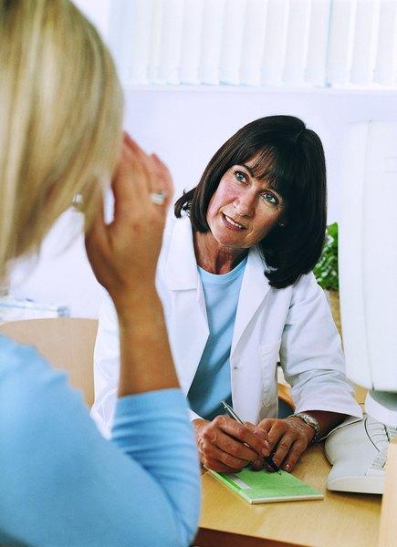 Alterações hormonais podem provocar enxaquecas: procure sua ginecologista