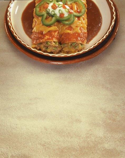 No es necesario rellenar las enchiladas con carne para que queden deliciosas.