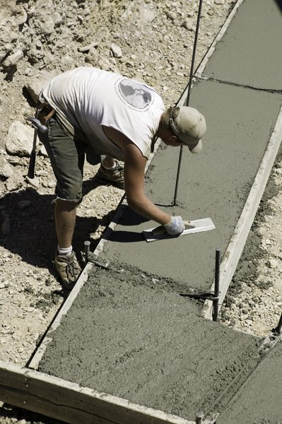 How to Pour a Level Concrete Pad on Unlevel Ground | Home