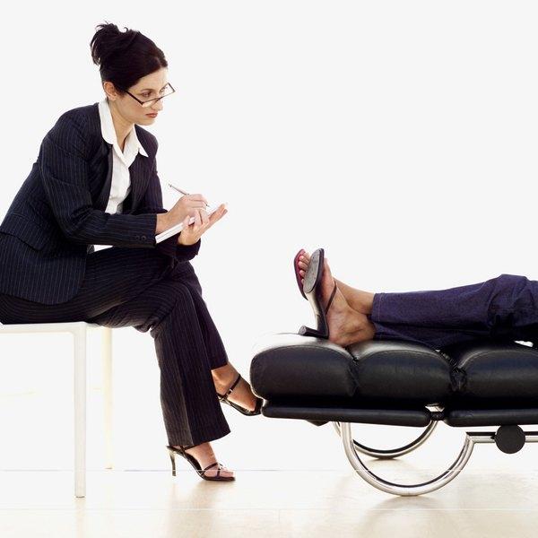 Psychiatrist Vs Lcpc Woman