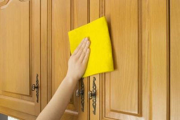 how to clean kitchen cabinets using murphy soap home guides sf gate rh homeguides sfgate com