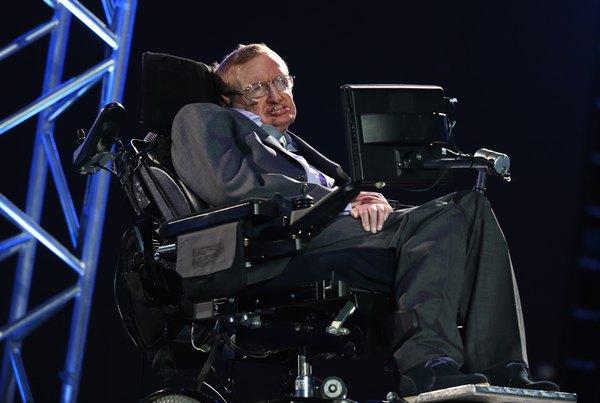 Pese a sus múltiples problemas de salud logró convertirse en el hombre más inteligente del mundo.