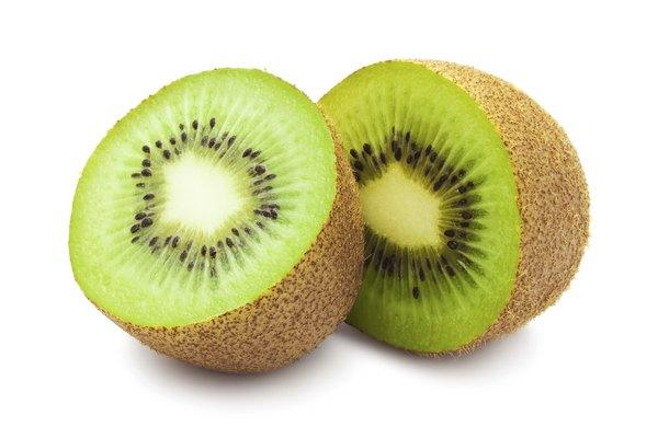 Nutrição natural e saborosa: kiwi com água de coco