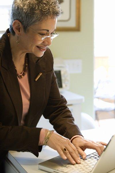 How to Write an Email Seeking a Job - Woman