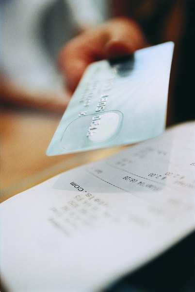 how to keep track of your credit card rewards budgeting money
