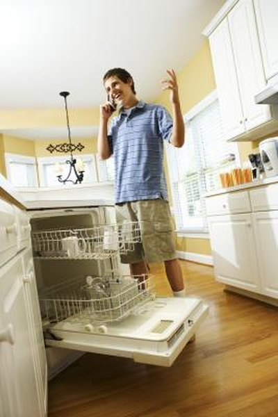 How to Fix a Dishwasher Door That Won't Close | Home Guides