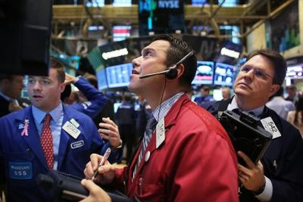 A falling dollar can make the stock market go up.