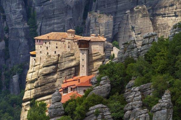 Se construyeron 24 monasterios en la antigüedad.