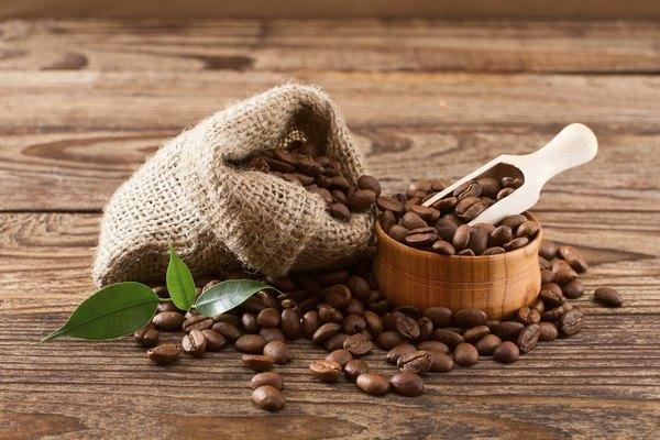 Elimine maus odores com grãos de café