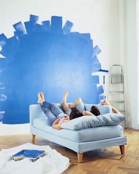 How to Decorate a Room With Blue Walls & White Puffy Clouds ...
