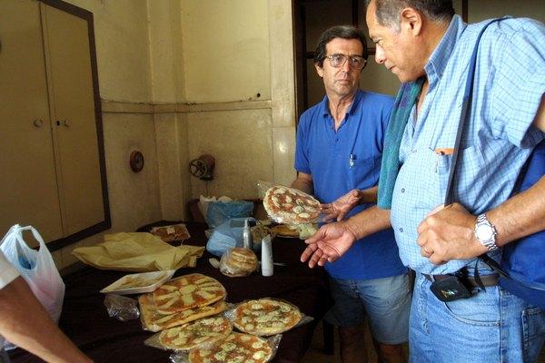 En Buenos Aires (Argentina) encuentras muchas pizzerías en cada barrio.