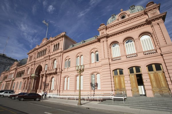 La casa rosada: sede del gobierno argentino.