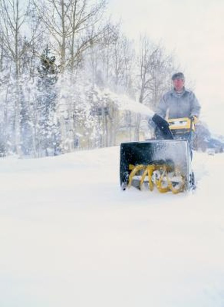 How to Adjust a Single-Stage Snowblower Carb | Home Guides